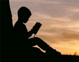 Jeunesse : notre sélection de livres à glisser dans sa valise cet été
